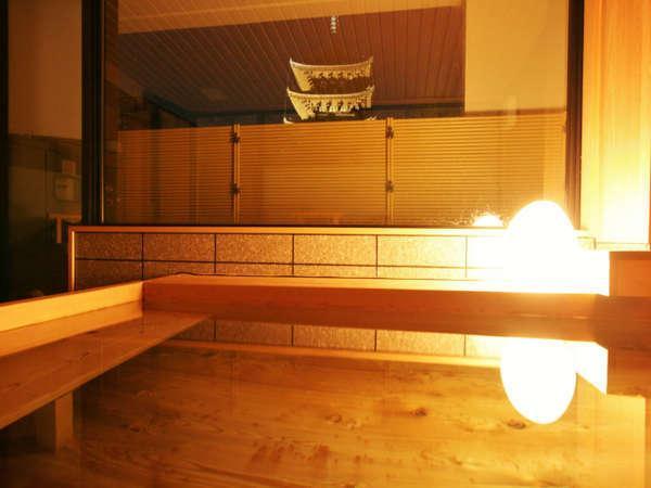 興福寺五重塔を眺める貸切風呂「塔の湯」