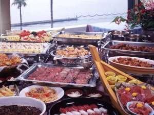 隣接姉妹ホテル『舘山寺サゴーロイヤルホテル』夕食バイキング料理例