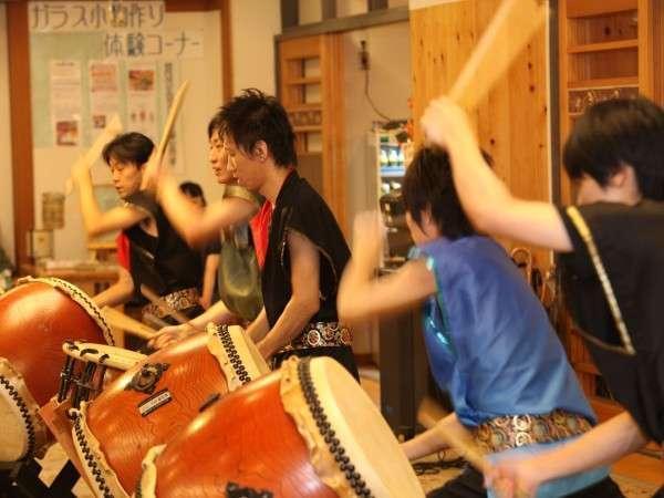 連夜開催される当館スタッフによる太鼓ライブ
