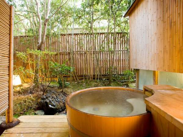 露天風呂付数奇屋和室(庭園側)