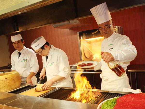 ◇レストラン◇「ステラモンテ」オープンキッチン