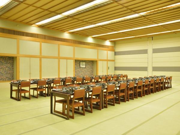 【宴会場】椅子・テーブル形式の宴会も承ります。