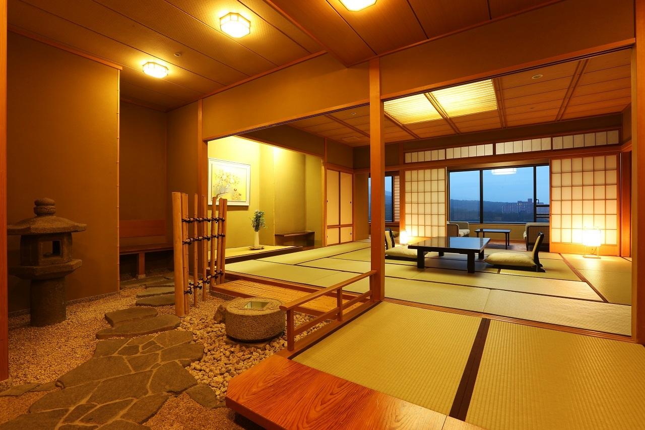 【新客殿・貴賓室】上品な数奇屋造りの格調高い伝統美が生きる特別室仕様。