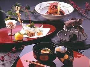 テーマは地産地消。花街道でしか味わえない旬と地物にこだわった料理でおもてなし。