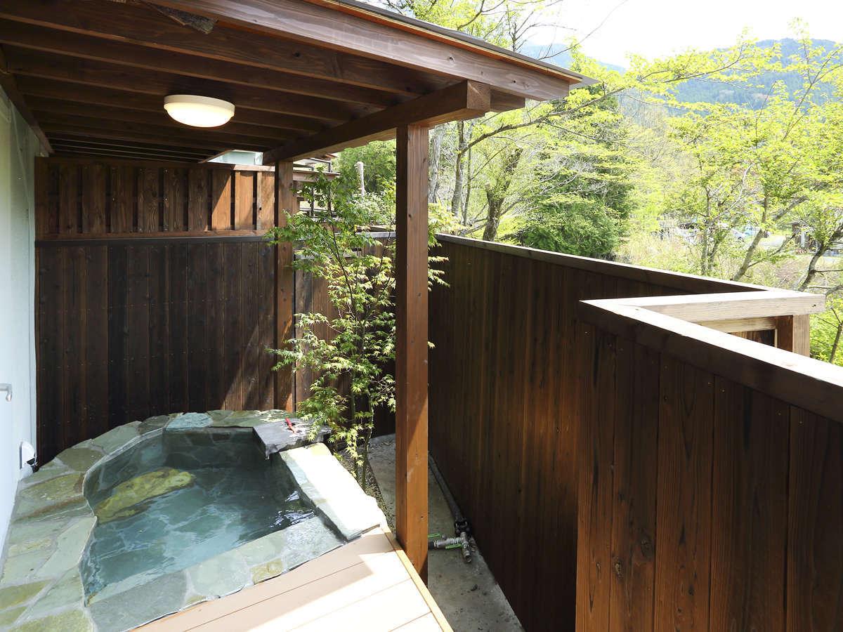 露天風呂付客室のお風呂(一例)