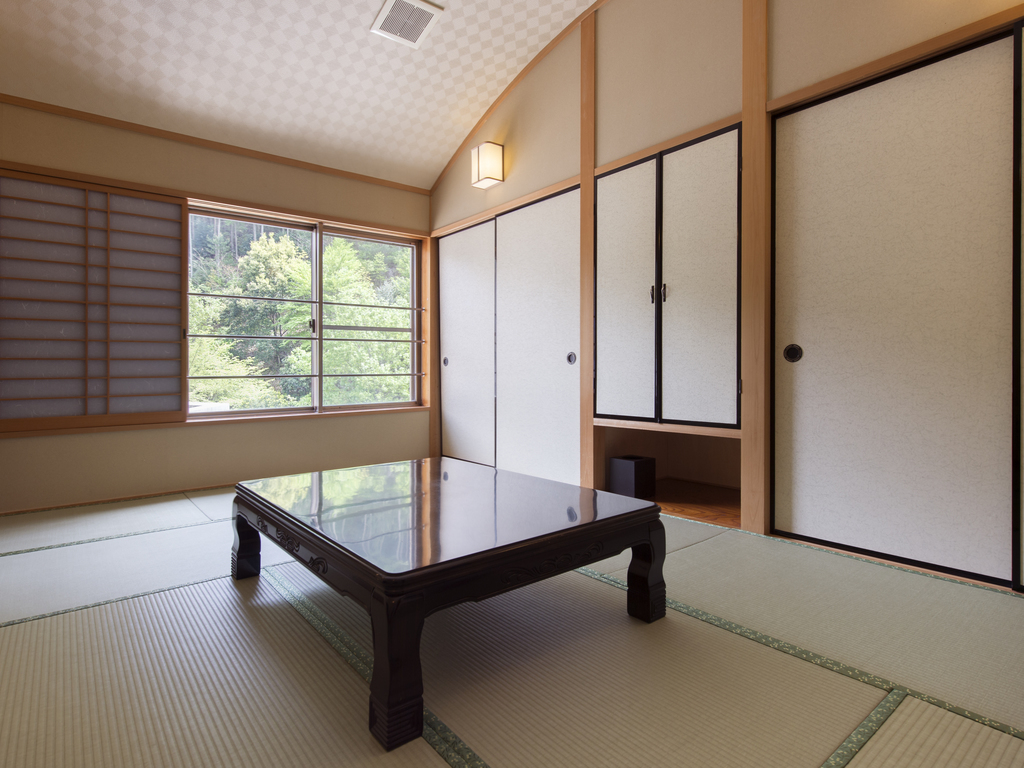ロフト付き和洋室のロフト部分は和室となっております