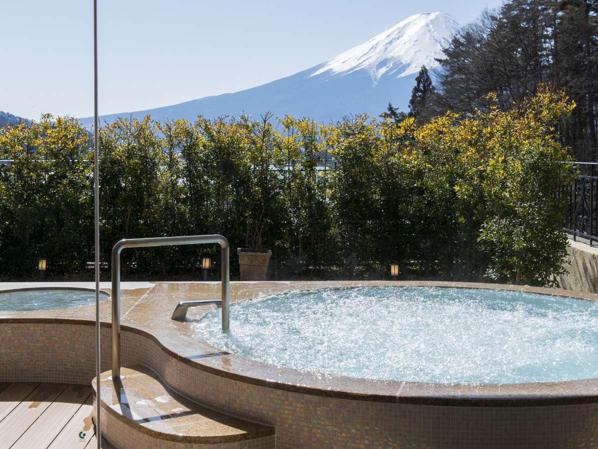 富士の雄姿を見上げる露天風呂から最高の「ラビスタ」を♪