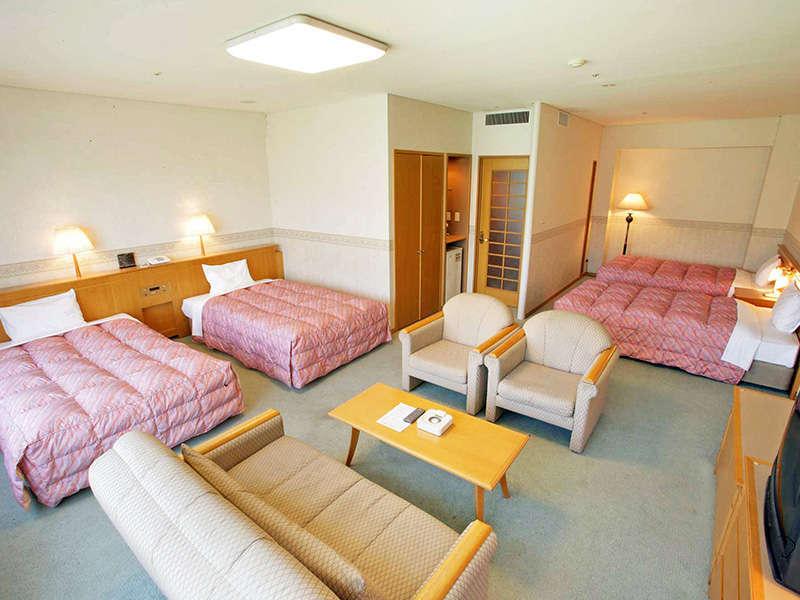 【デラックスルーム<ノースウイング>】は広さ52.3平米のゆったりとしたお部屋です。