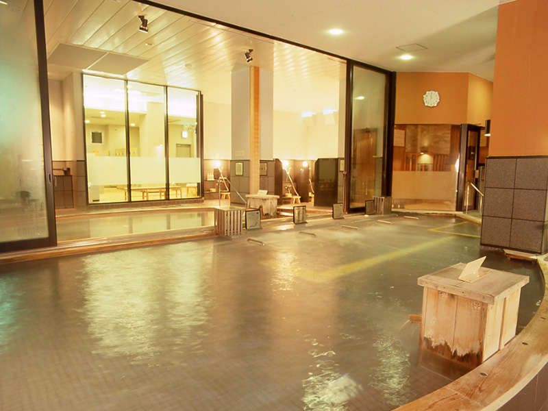 <内の湯>バリエーション豊かなお風呂で、存分に手足を伸ばしてゆったりとおくつろぎください。