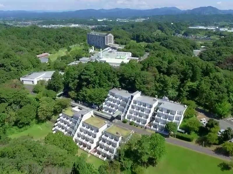 ご家族やグループでのご利用に。55万坪の広大な敷地を持つ滞在型リゾートホテルです。