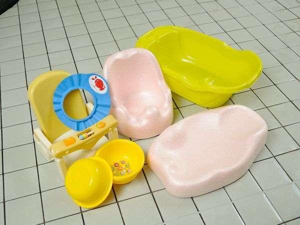 【大浴場のベビー備品】ベビーチェア,シャンプーハット,ベビーバスマット,ベビーバス