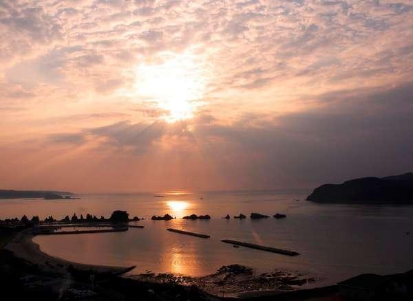海側客室から見る朝日