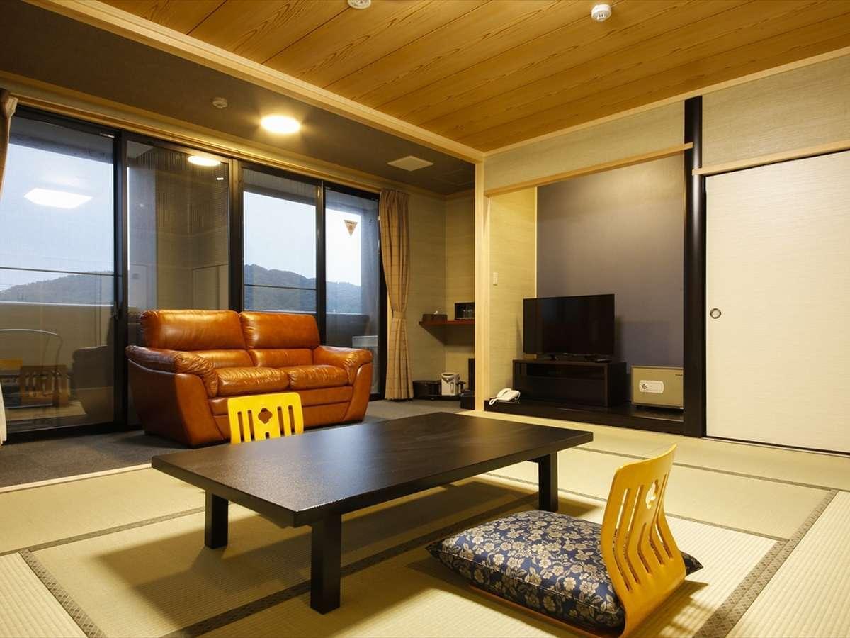 新館 山側和室