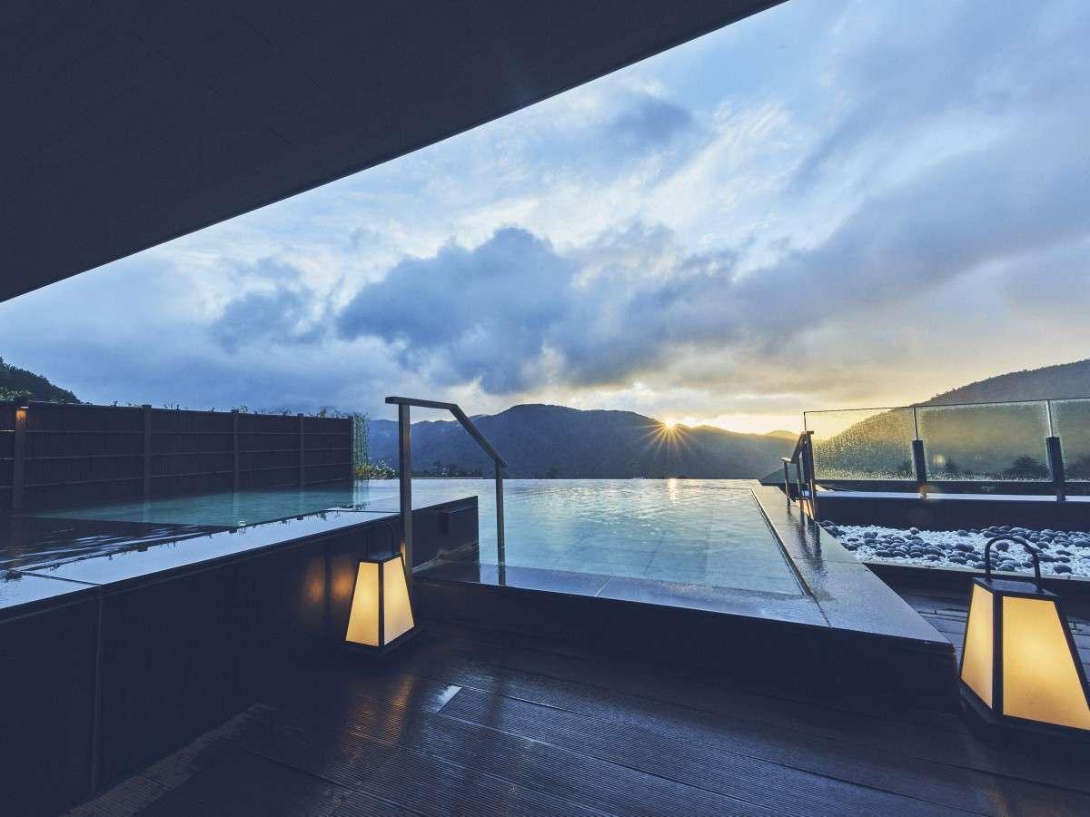 6階大浴場「浮雲の湯」露天風呂