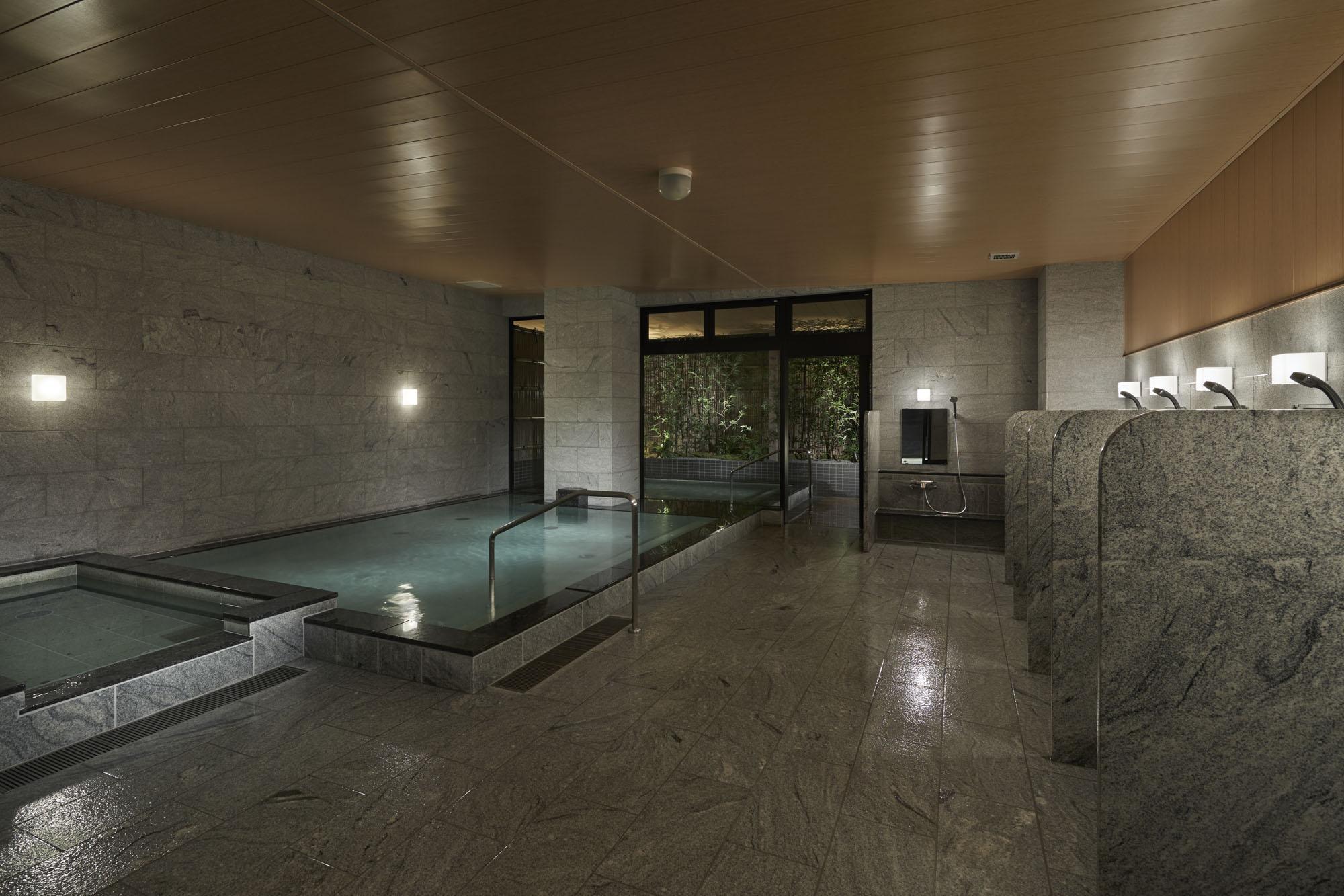 ゆとりの広さの大浴場
