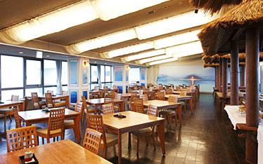 写真:レストラン