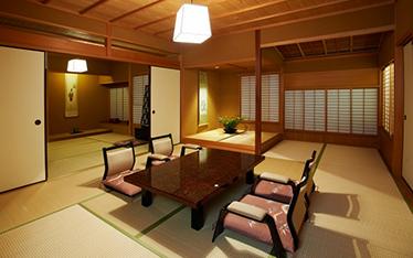 写真:セミスイート和室主室10畳+6畳(62平方m)