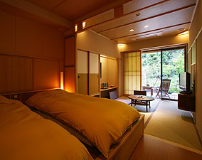 写真:庭園露天風呂付和洋室(Aタイプ) ベッドルーム
