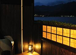 写真:美しい那智湾、熊野の景色を一望できるお部屋。