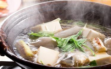 写真:日本海冬の鍋膳
