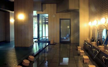 写真:八千代の湯露天風呂付(女湯)