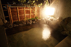 写真:東館 特別室 松琴亭 専用露天風呂