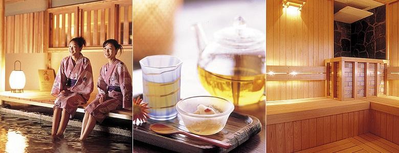 写真:写真左から:お風呂に入らなくても温泉気分の「足湯」、ハーブティー、檜のサウナ