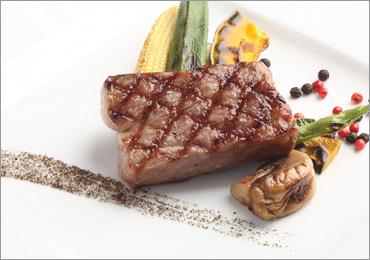 写真:メイン肉料理イメージ