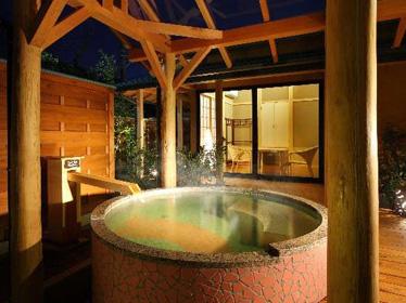 写真:プライベートルーム付天然温泉貸切露天風呂 星の湯