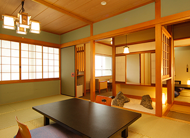 ゆったりと和のくつろぎ…坪庭付客室