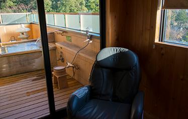 写真:ひのき展望露天風呂付客室