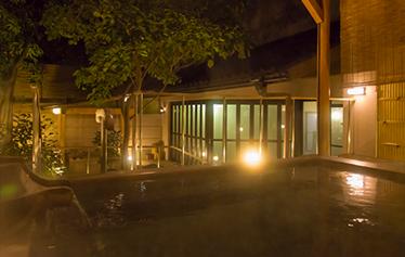 写真:殿方庭園露天風呂【右近の湯】