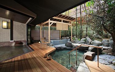 写真:婦人庭園露天風呂【左近の湯】