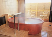写真:陶器の湯
