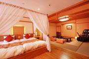 写真:特別室「開花亭」天蓋ベッドルーム