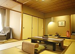 写真:客室「菩提樹の間」