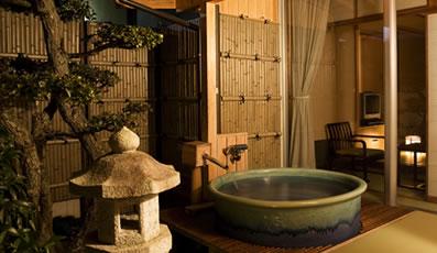 露天風呂付客室:信楽の湯(青)
