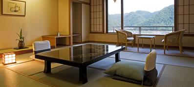 露天風呂付客室:檜の湯