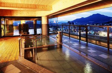写真:展望見晴らし温泉大浴場 夢路の湯
