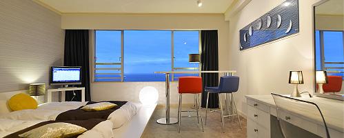 写真:ホテルニューアカオ ロイヤルウイングの客室