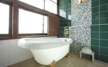 写真:展望風呂付洋室(風呂)