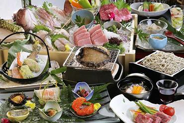 写真:露天風呂付客室専用ご夕食横谷懐石膳