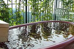 写真:露天風呂+テラス_陶器風呂