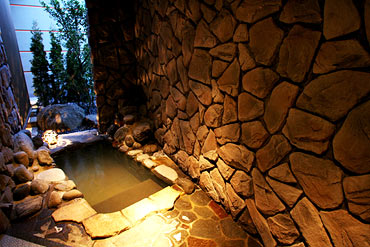写真:岩洞の湯 瞑