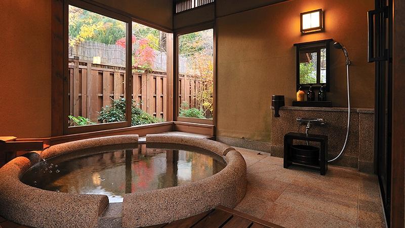 写真:「さくら」半露天風呂