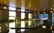 写真:大浴場「八峰の湯」