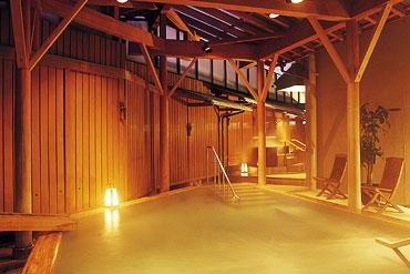 写真:滝見の湯屋 露天風呂