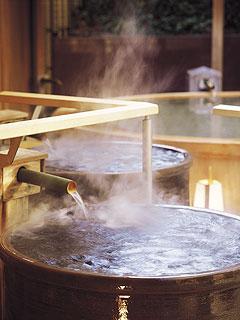 写真:滝見の湯屋 かめ風呂