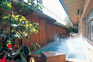 写真:九谷の湯処 露天風呂
