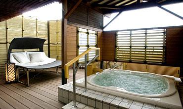 写真:天祥の館 温泉露天風呂付スイート客室